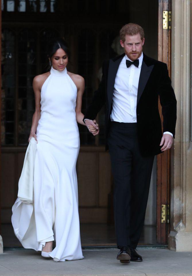 Harry Und Meghan Diese Party Details Sollten Geheim Bleiben Zweite Hochzeitskleider Kleider Fur Empfange Hochzeitskleid
