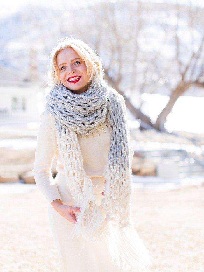 Вязание на руках шарф фото кто дал