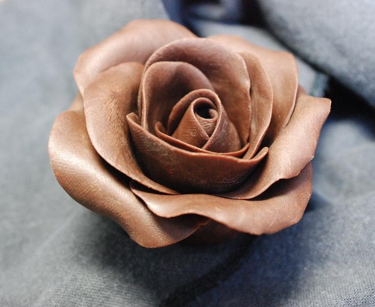 Chocolate roses... beautiful yum!