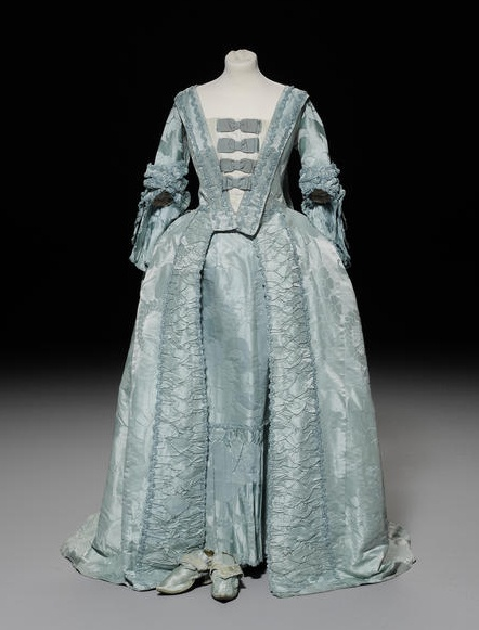 An 18th century Watteau pleat/sack back robe and matching petticoat, circa 1775.