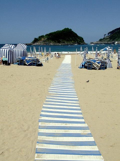 Basque Country, Gipuzkoa, Donostia-San Sebastián, La Concha Beach #tourisme #campingcar