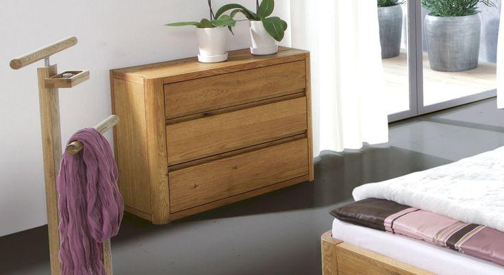 "Kommode ""Lugo"" aus hochwertigem Eichenholz   Betten.de #schlafzimmer #kommode #massivholz http://www.betten.de/kommode-massivholz-eiche-lugo.html#&gid=1&pid=1"