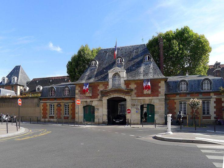 port to the Hopital Saint louis, 1607-11, Paris, France