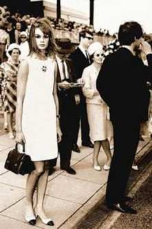 Jean Shrimpton 1965 at Melbourne Cup Races- the look that shocked ( no sleeves and above the knee... )