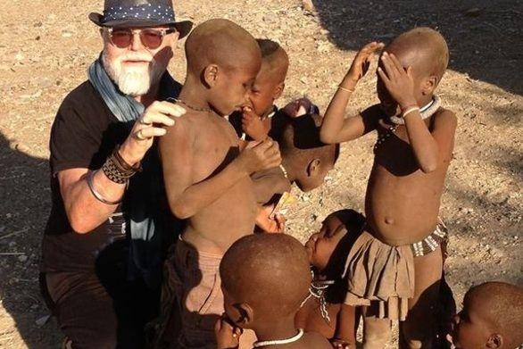 """Οι Πατρινοί που βρέθηκαν στην """"άγνωστη"""" φυλή Χίμπα της Αφρικής! (pics)"""