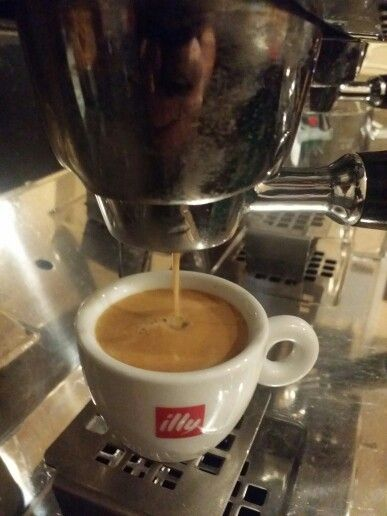 Fresh Coffee by Illy at Gru's