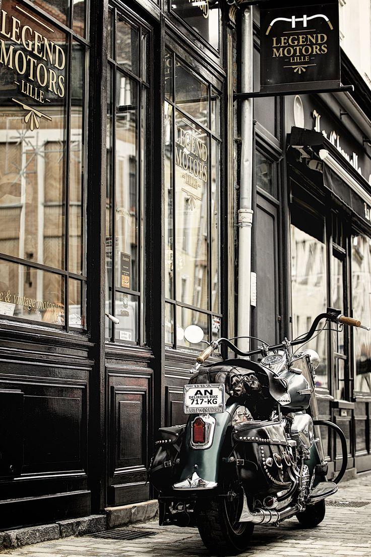 Harley-Davidson Panhead 1954, à vendre chez Legend Motors Lille.