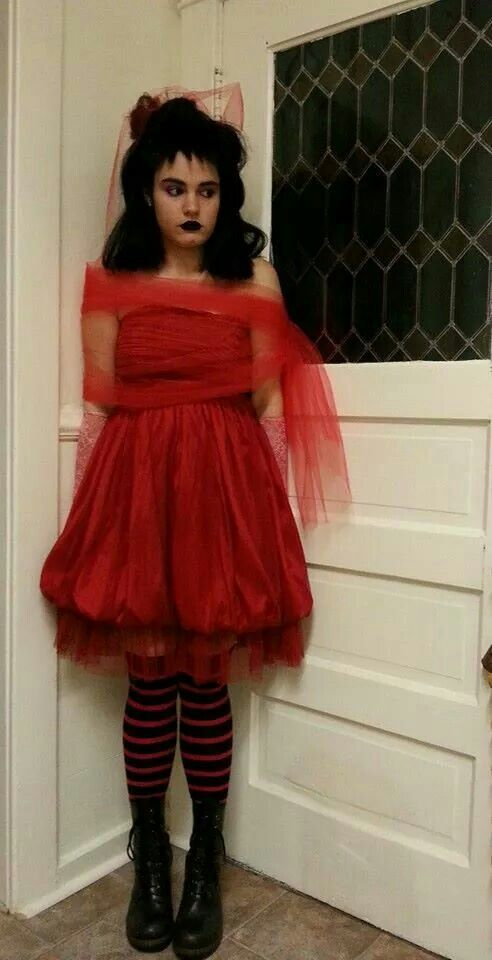 1000 images about fancy dress costumes on pinterest for Lydia deetz wedding dress