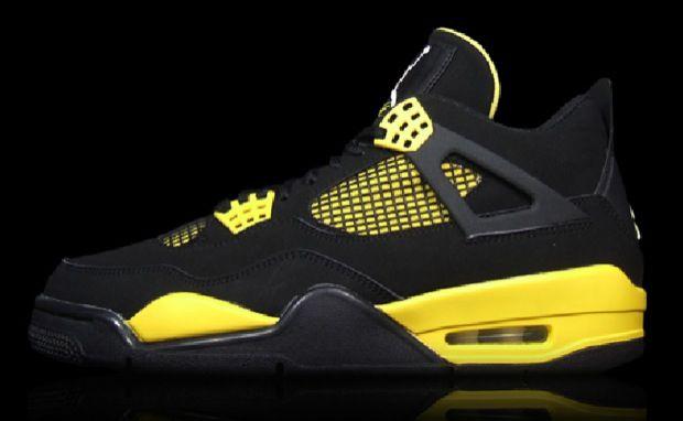 """Air Jordan 4 """"Thunder"""""""