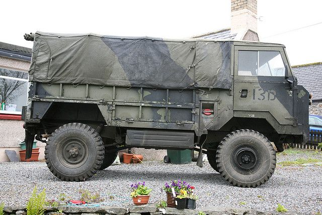 95 best images about soldier soldier on pinterest trucks for Garage land rover amiens