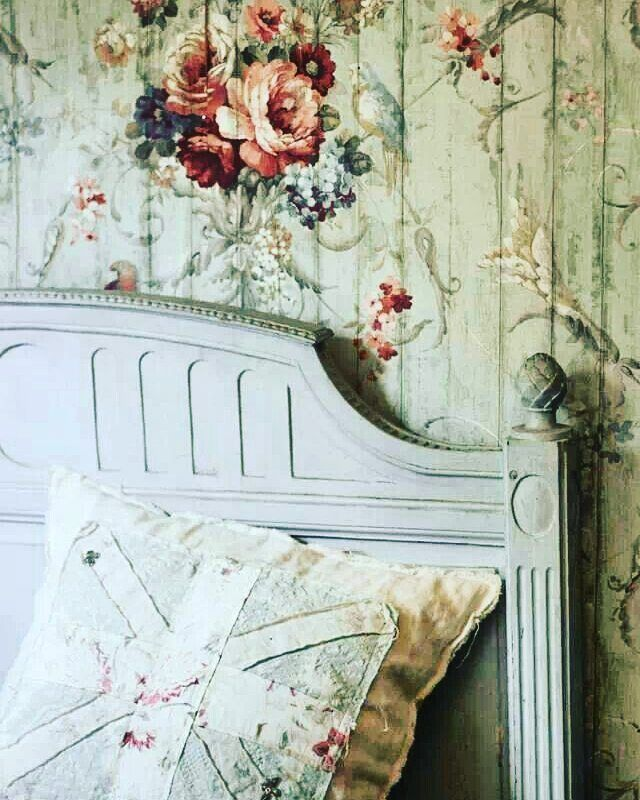 Happy st patricks day #shabbychic #iheartshabbychic #roses #decoupage #home…
