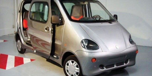 Vehicle runs on air (not gas/solar/hybrid) $8000 Available in Indiao 2012.. runs on compressed air.