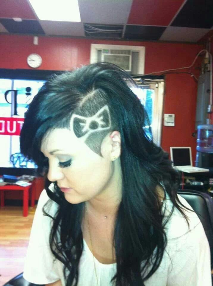 Shaved pointy side with bow design                                                                                                                                                                                 More