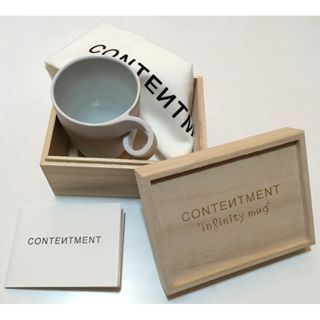 The CONTENTMENT 'infinity mug' is available to preorder!! info@curatethecontent.com - link in bio #woodenbox #teatowel and #flyer Our webshop will open soon, stay tuned! #infinitymug #contentment