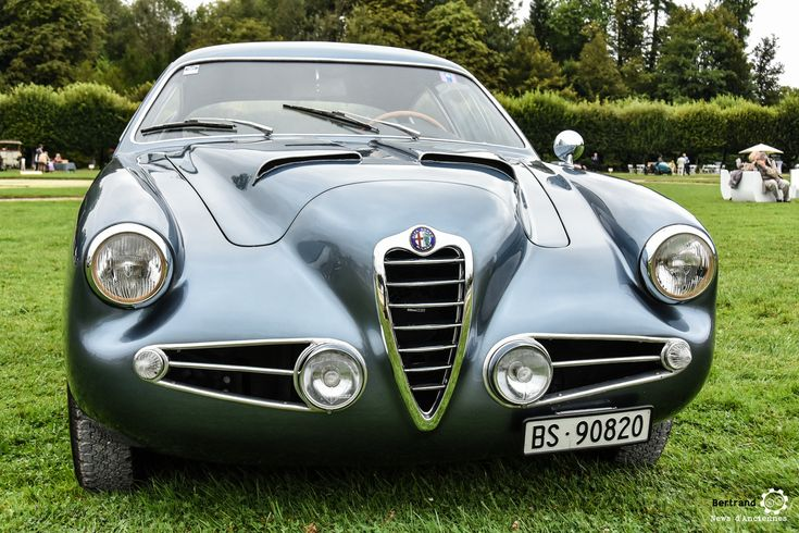 Alfa Romeo 1900 SSZ à Chantilly Arts et Elegance #MoteuràSouvenirs Reportage :  http://newsdanciennes.com/2016/09/05/chantilly-arts-et-elegance-2016-creme-creme/ #ClassicCar #VintageCar #Voiture #Ancienne                                                                                                                                                                                 Plus