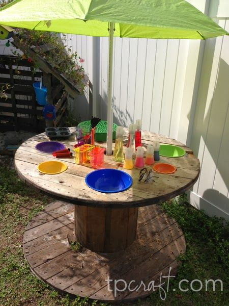 Another cool outdoor table!
