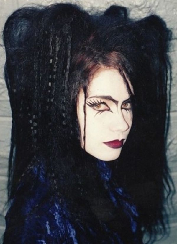 Natalie (from the House of Usher article, previous pin) † #goth #gothic…