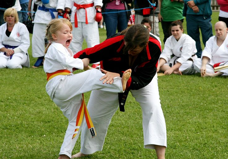 2 Karate contestants at the Woodingdean carnival. Photo by Alicia photographics.