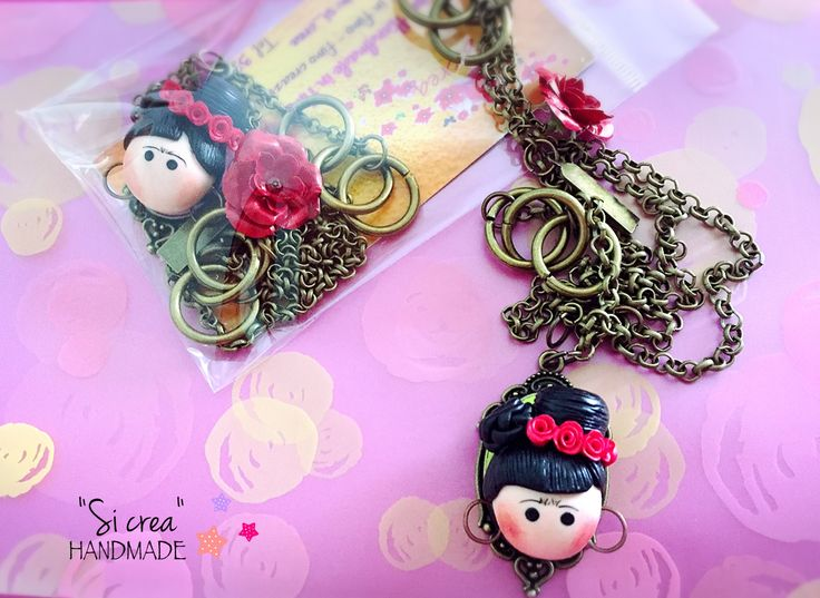 We love Frida. Handmade polimeryclay Frida Kahlo. Frida Kahlo necklace. Fimo ideas. Handmade Fimo.