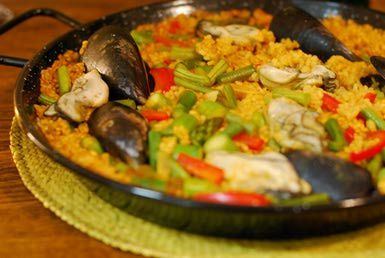 Paella Valenciana - Miyo/Flickr/CC BY 2.0