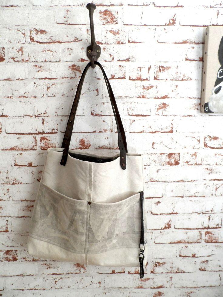 Sac à main vintage blanc SO Mail, anses en cuir : Sacs à main par sac-vintage-soben