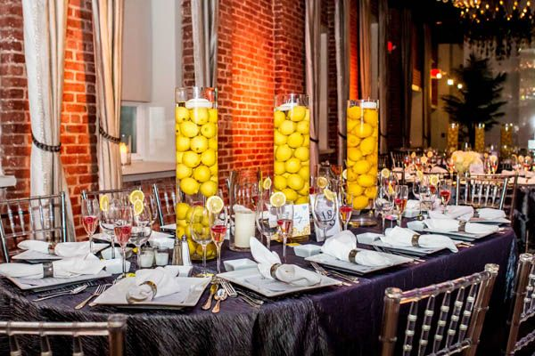 wedding-color-yellow-centerpieces-bartlett-pair-photography.jpg (600×400)