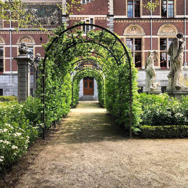 """Rijks museum. _shutterbug_ (@_shutterbug_bec_) on Instagram: """"Gardens at the museum  #rijksmuseum #gardens #archway #leaves"""""""