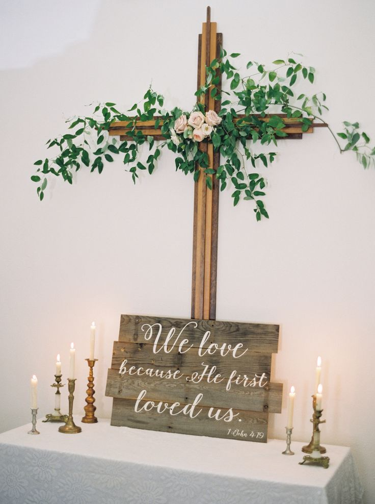 Photography: Jeremiah and Rachel Photography - www.jeremiahandrachel.com   Read More on SMP: http://www.stylemepretty.com/2017/02/27/rustic-montana-whitefish-lake-wedding/