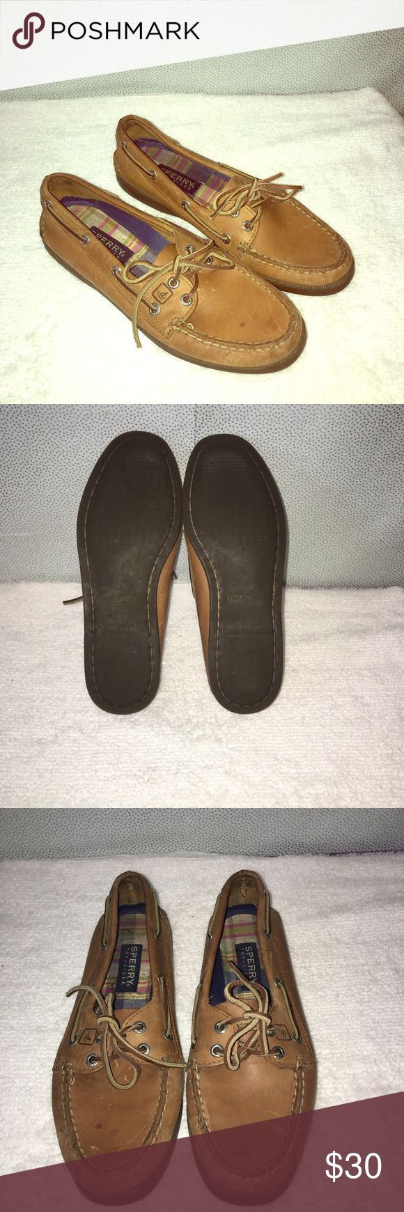 Sperry shoes Good condition. Has a few marks in front can be cleaned with cleaner. Sperry Shoes Flats & Loafers