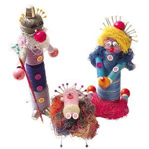 ¡Mira qué Belén tan original! Está hecho con hilos, botones y alfileres.   http://www.guiadelnino.com/juegos-y-fiestas/navidad/un-belen-hecho-con-hilo-botones-y-alfileres