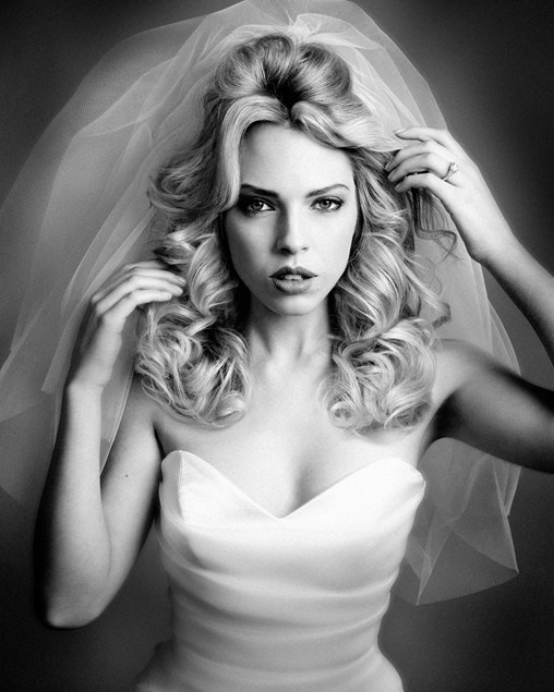 Voluminous curls  Find out how to create this look...    #youandyourwedding
