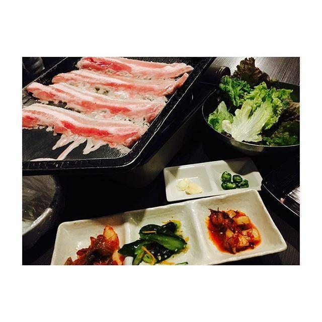 🇰🇷🇰🇷🇰🇷🇰🇷😋🍽 . #サムギョプサル #食べ放題 #飲み放題 #豚肉 の脂最高🐷💖 . #チャプチェ も #チーズチヂミ も #トッポギ も #キムチ も #ナムル も ぜーんぶ美味しすぎた😭💖 . やっぱり #肉 最高🍖💓😋 . #広島 #広島市 #韓国料理 #HANA  #サムギョプサル食べ放題 #coreanfood  #corea #🇰🇷 🇰🇷 🇰🇷 🇰🇷 #広島グルメ #広島ランチ #広島ディナー . #hiroshima