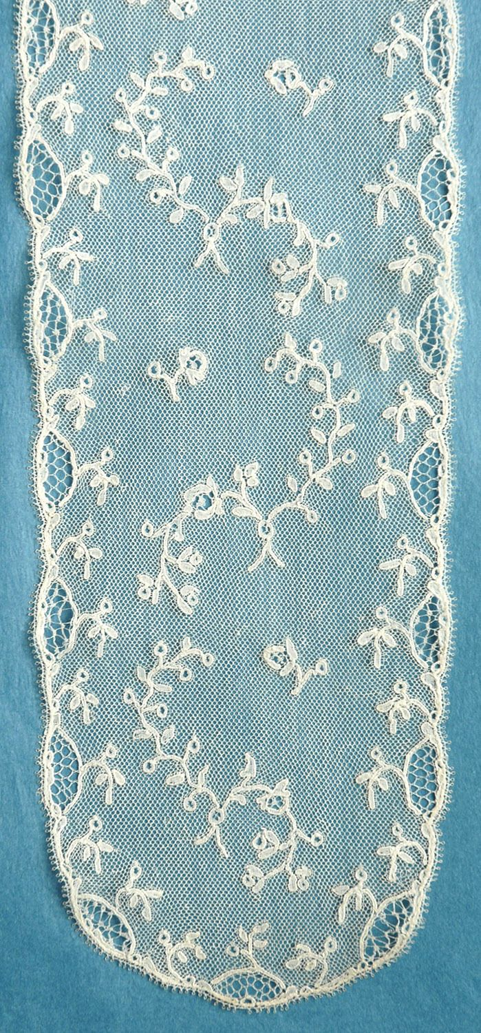 Late 18th c Mechlin lappets.