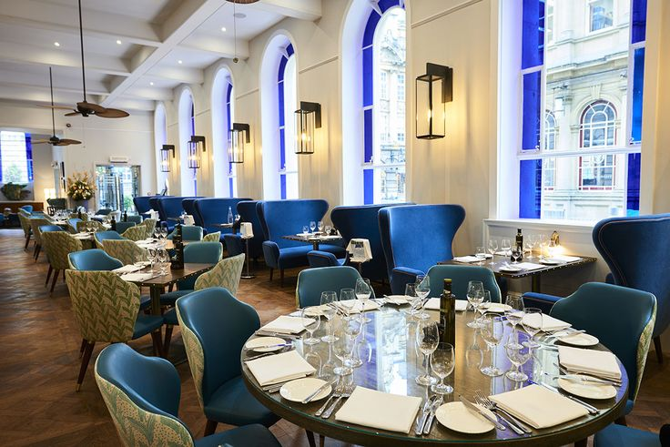 Bristol Harbour Hotel, Restaurant dining space. Bristol blue glass and interior schemes to compliment. Interior architectural design by DO Design Studio Ltd.