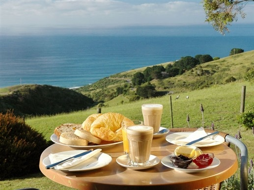 Breakfast at A Room with a View in Wongarra, Australia