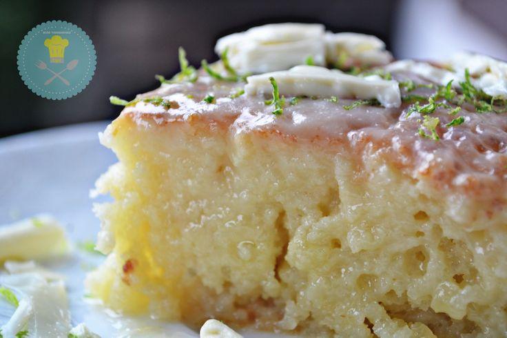 Bolo de Limão molhadinho com Chocolate Branco – Tudoquevale