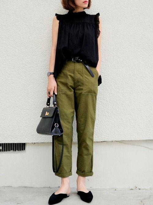 ADAM ET ROPE'のシャツ・ブラウス「楊柳フリルカラーブラウス」を使った金子三記(miki)のコーディネートです。WEARはモデル・俳優・ショップスタッフなどの着こなしをチェックできるファッションコーディネートサイトです。