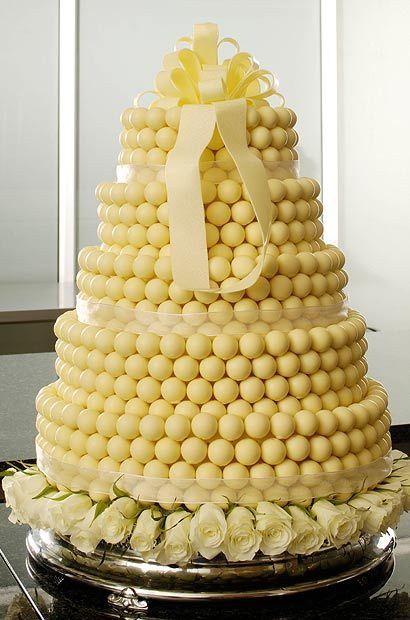LINDOR wedding cake - a lovely twist on a classic!