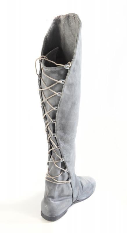 Arwen boots- allegedly. Nice design either way.
