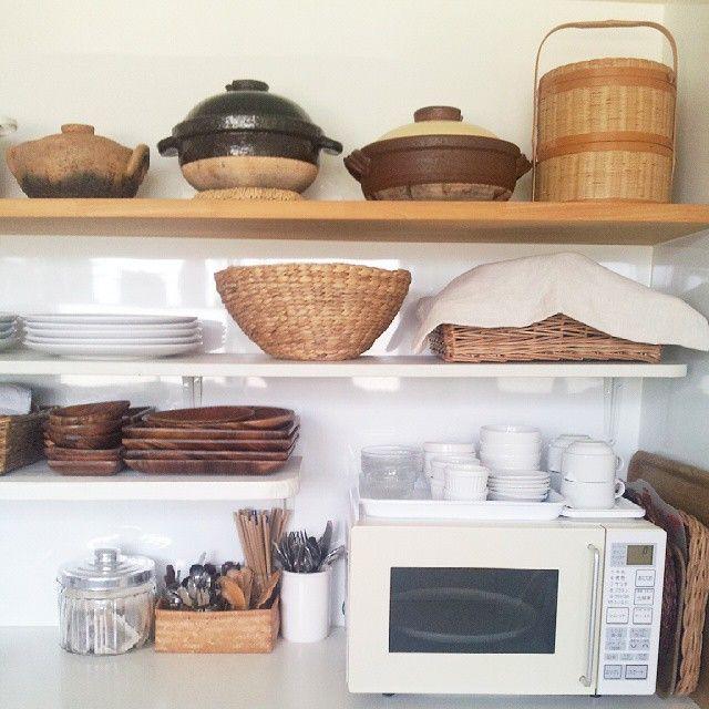 生活の基盤となる場所のひとつ「台所」。台所がおしゃれで素敵だと、大変な家事も楽しくなるし毎日わくわくしそうですよね。Instagramでそんな素敵な台所を見つけてみました!