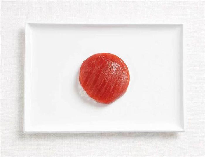 Japão: sushi de atum e arroz.