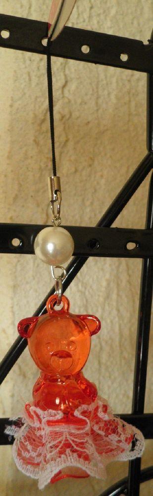 bijou de téléphone portable nounours ourson rouge en tutu dentelle-perle blanche