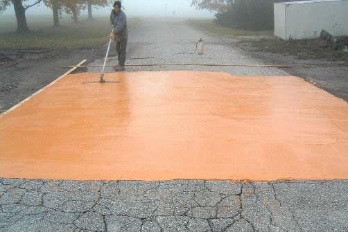Il est maintenant possible de recouvrir votre entrée d'asphalte endommagée par une mince couche de béton polymère durable et d'une belle apparence. La compagnie...