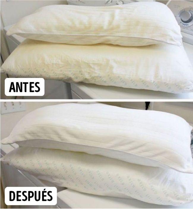 Para blanquear las fundas de las almohadas: Mezcla 1 vaso de detergente, 1 vaso de detergente para lavaplatos, 1 vaso de blanqueador, ½ vaso de bórax y agrega agua muy caliente.
