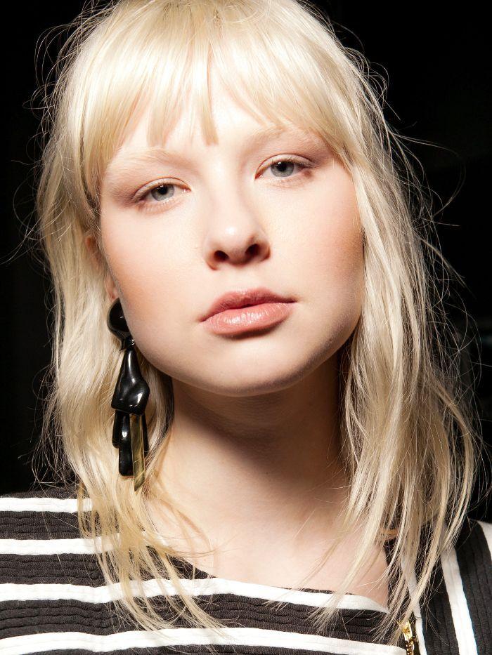 Minimal Makeup Runway Look At Sass & Bide Show