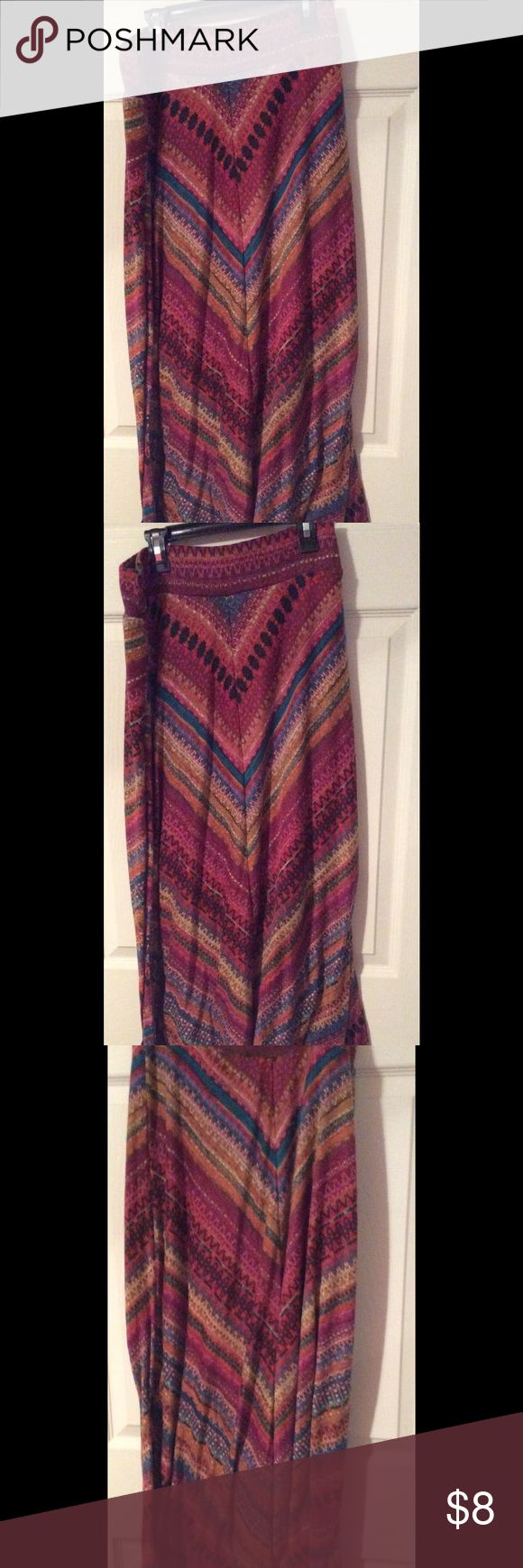 Cute maxi skirt This cute maxi skirt is in great condition worn less than five times size small is a JohnPaulRichard johnpaulrichard Skirts Maxi