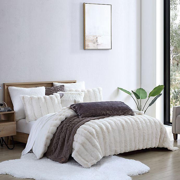 Ugg Landers Faux Fur 3 Piece Comforter Set In 2020 King Duvet Cover Sets Comforter Sets Duvet Cover Sets