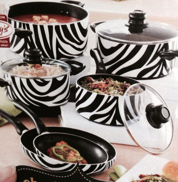 1000 Ideas About Zebra Decor On Pinterest Zebra Room