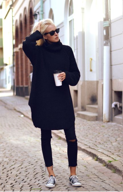 oversized black sweater, black skinny jeans, and classic converse sneakers