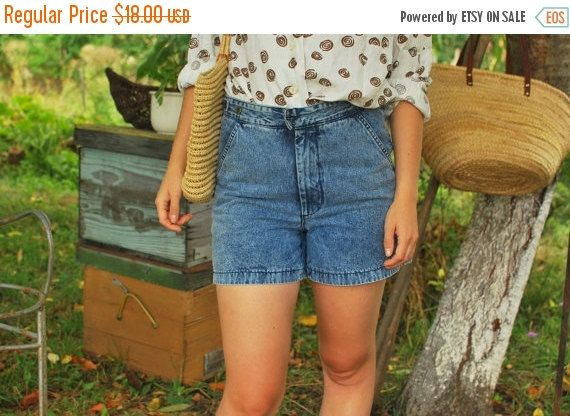 SALE Acid wash shorts  denim High Waisted Shorts Vintage 80'S